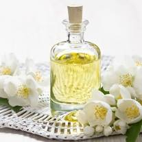 Massagebehandlung Aroma Essentiell